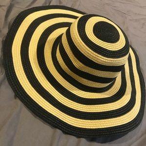 J Crew Floppy Beach hat